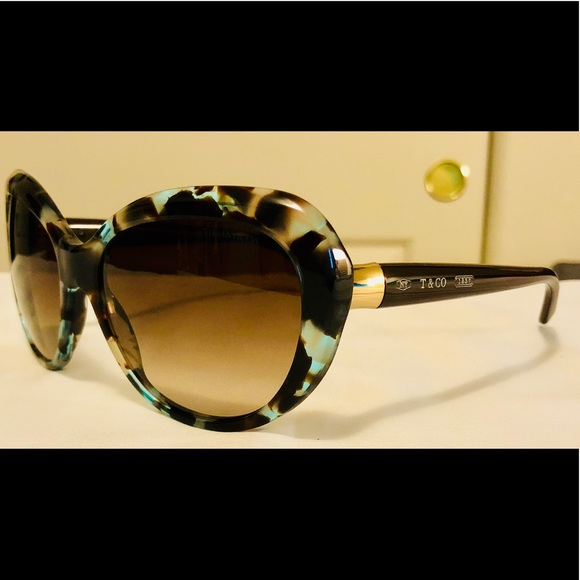 69133660b76 NWOT Tiffany   Co. TF 4122 Sunglasses. M 5b611164d8a2c73b99fd40ec. Other  Accessories ...